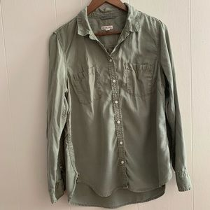 Olive green button up shirt with front pockets